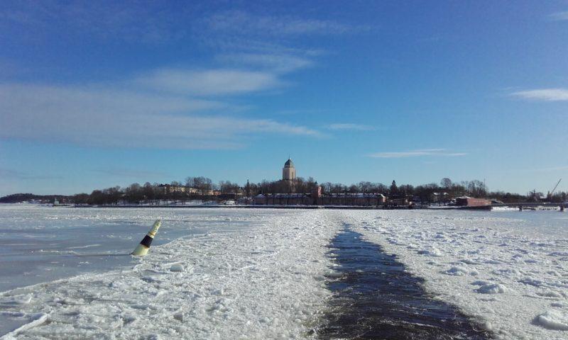 Trayecto en ferry a Suomenlinna