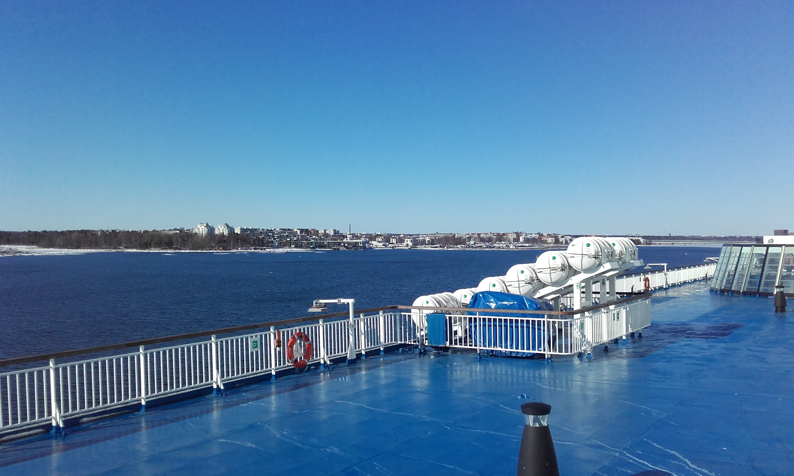 Ferry de Finlandia a Estonia