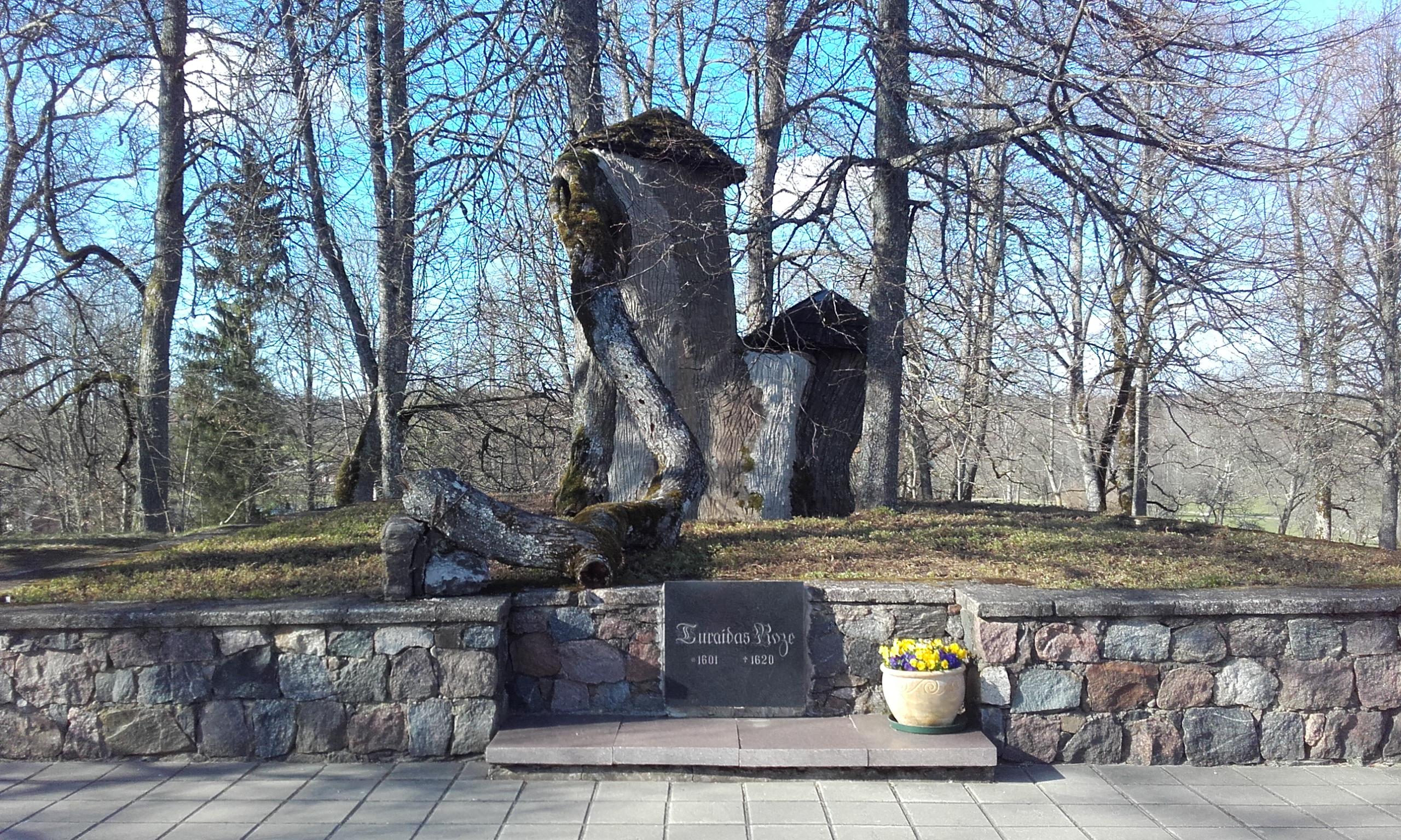 Memorial a La Rosa de Turaida
