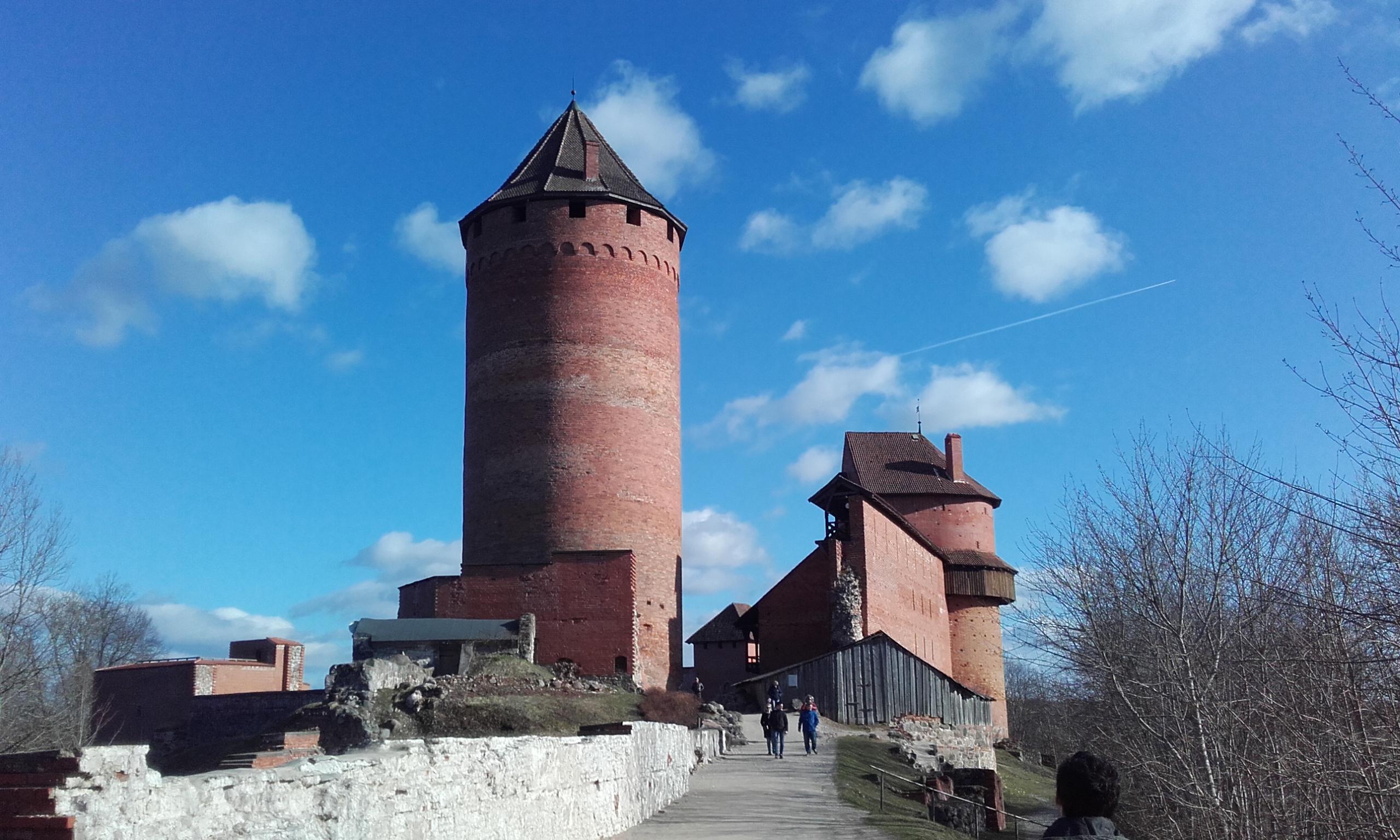 Torre mirador del Castillo de Turaida