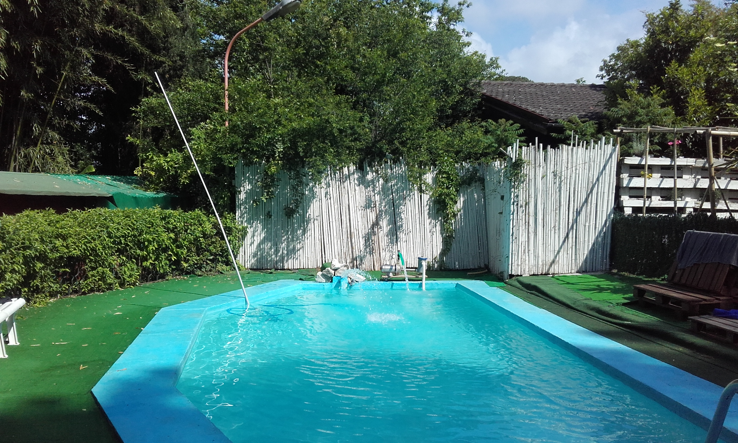 La piscina del Wiki Hostel