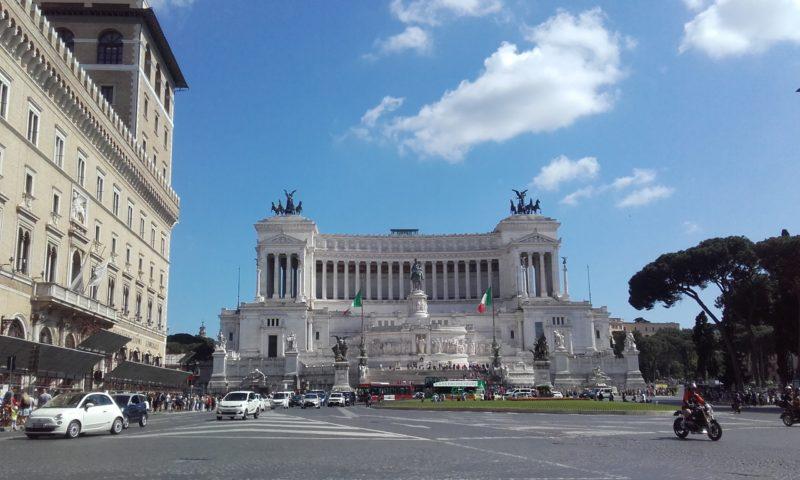 Turno de mañana en el hostal y paseo por Roma