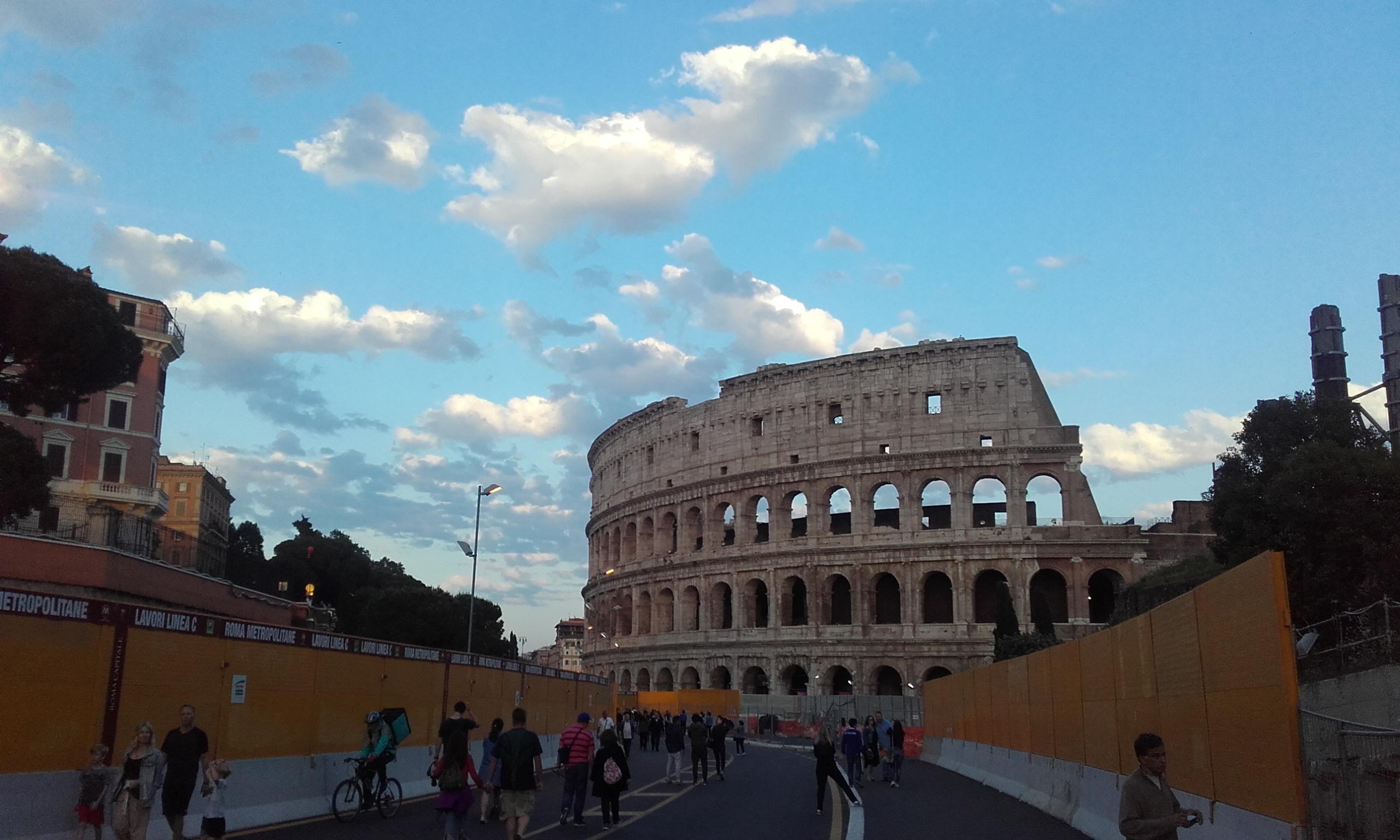 De camino al Coliseo romano