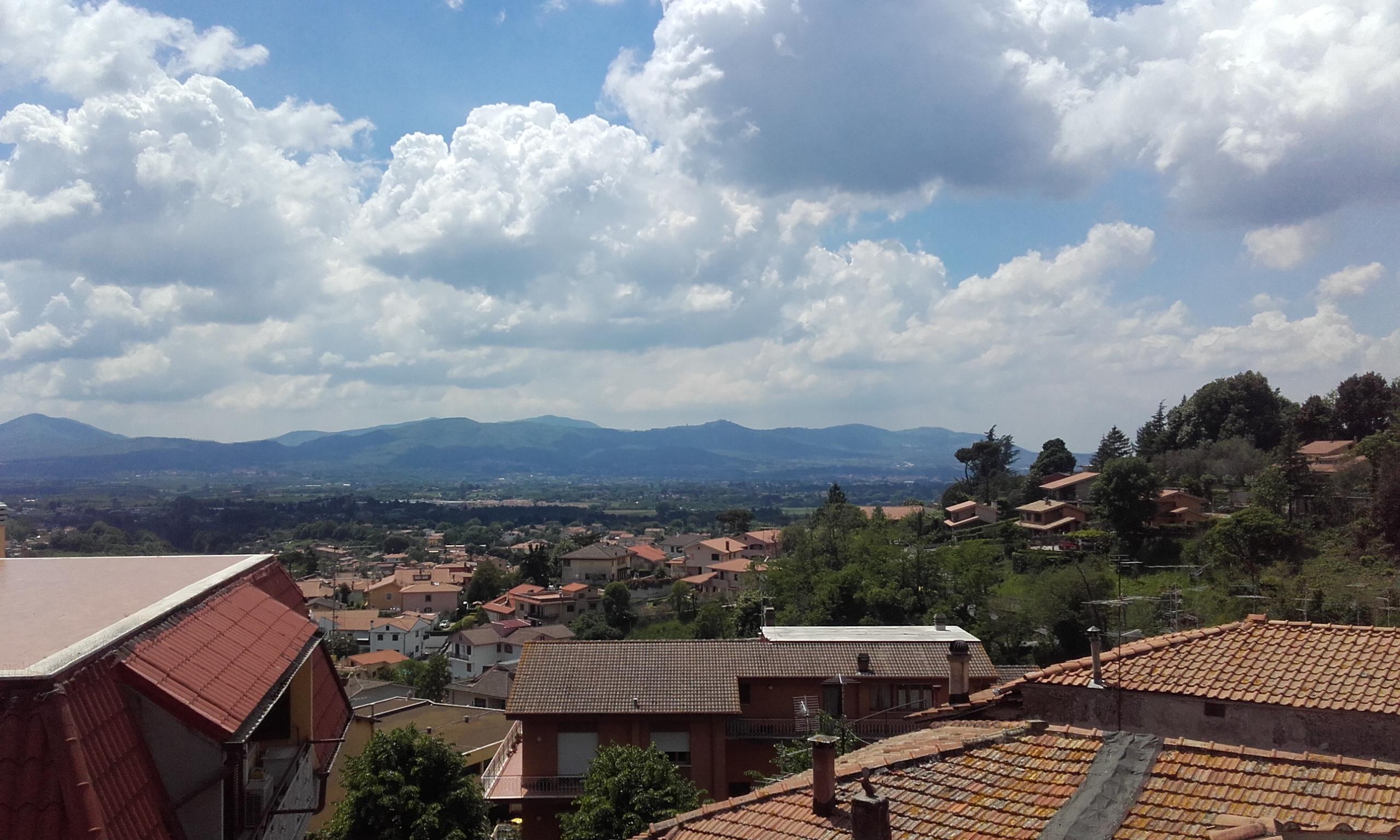 Vistas del valle, mientras subíamos a la parte alta de Palestrina