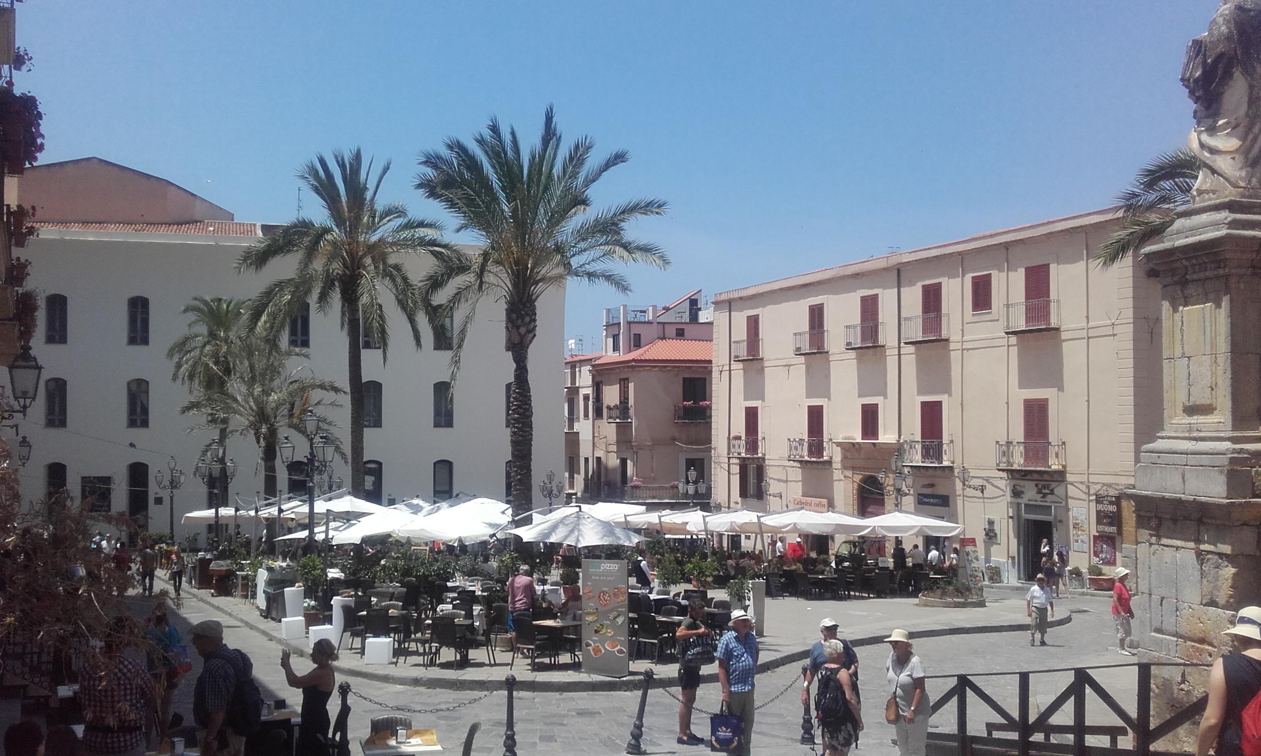 Terrazas en la Piazza del Duomo