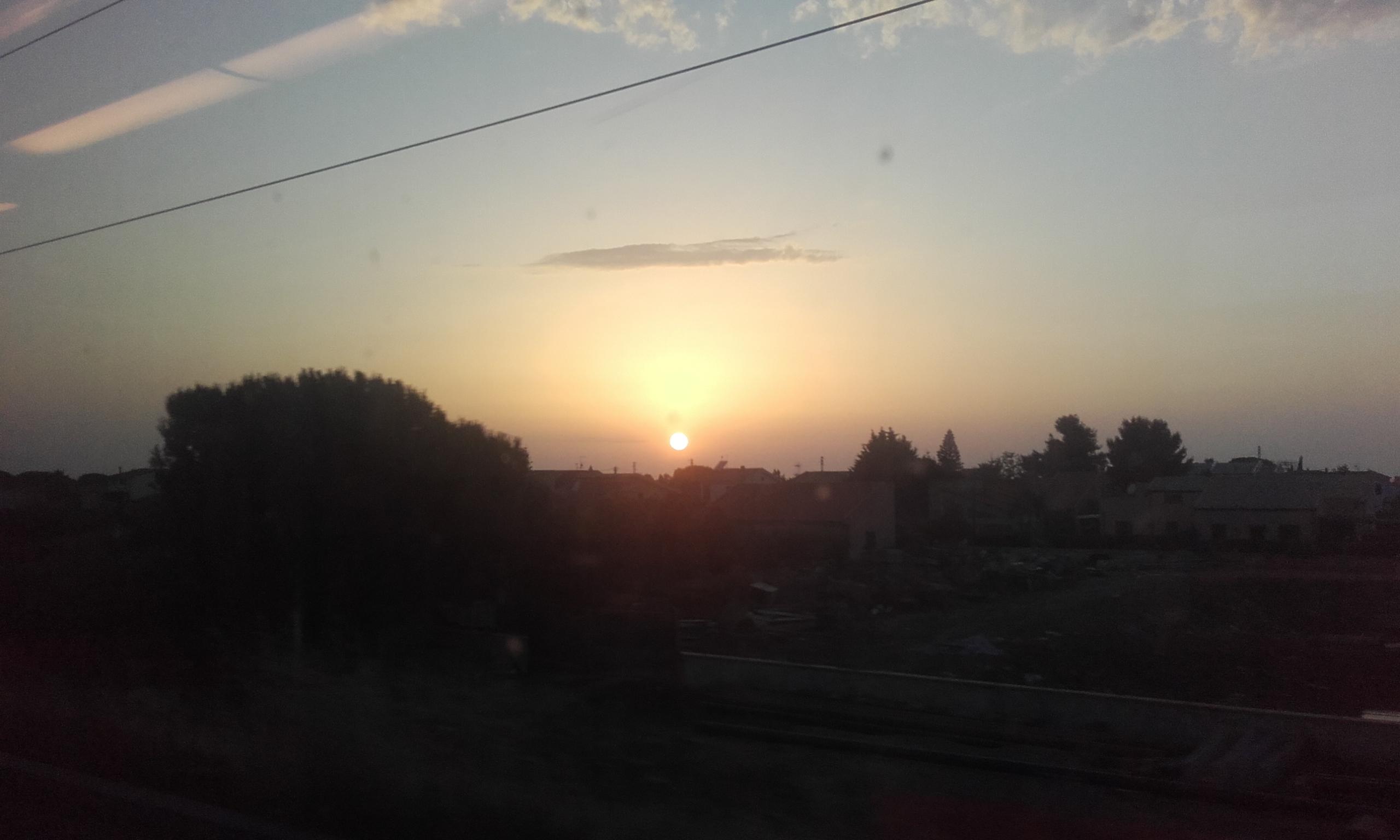 Anochecer desde el tren