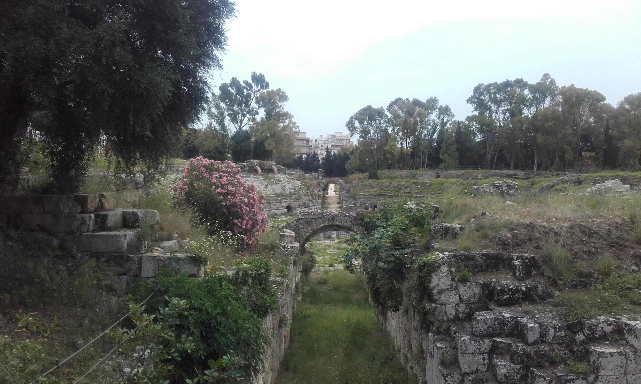 Pasajes subterráneos del anfiteatro romano