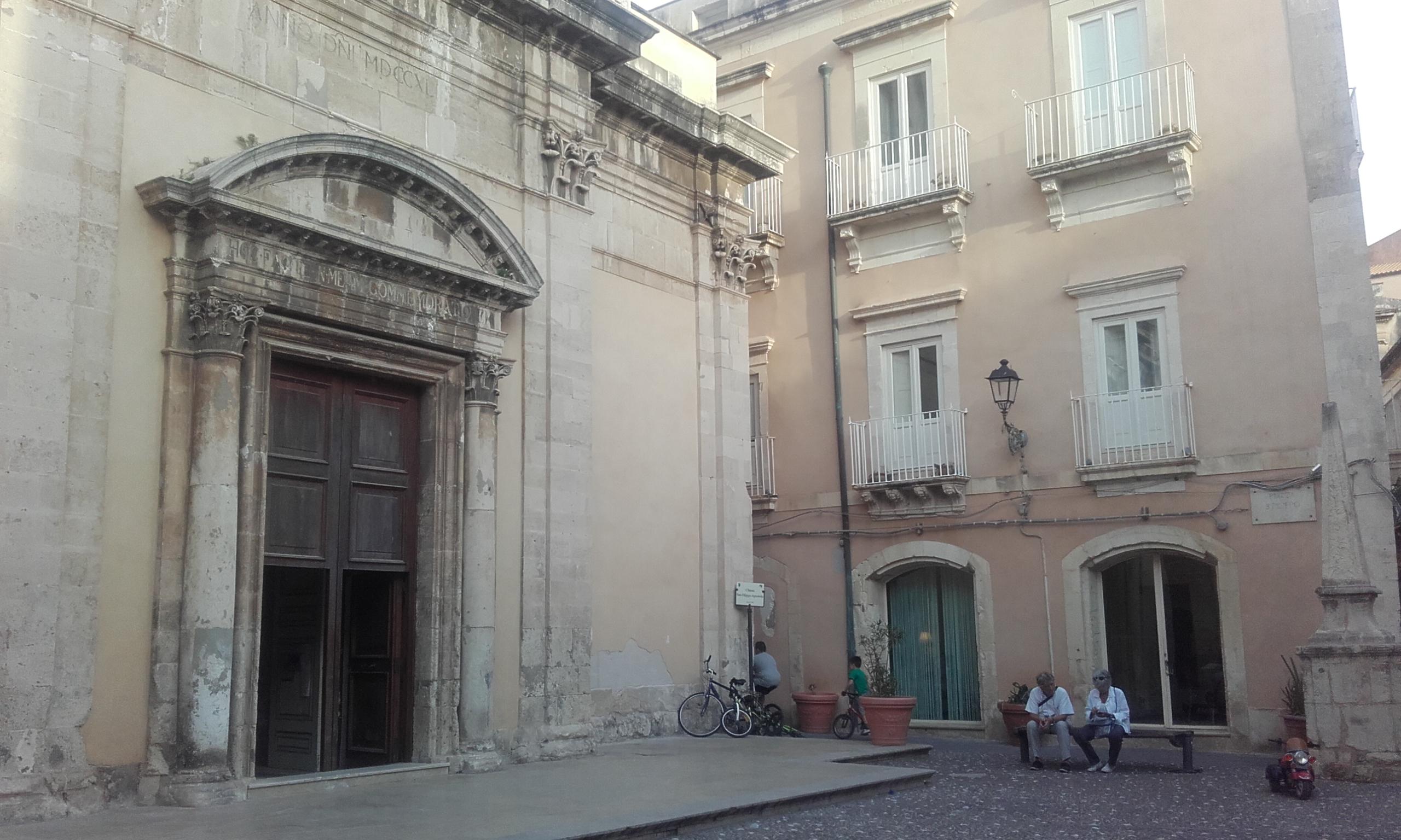 Una de las pequeñas iglesias de Ortigia