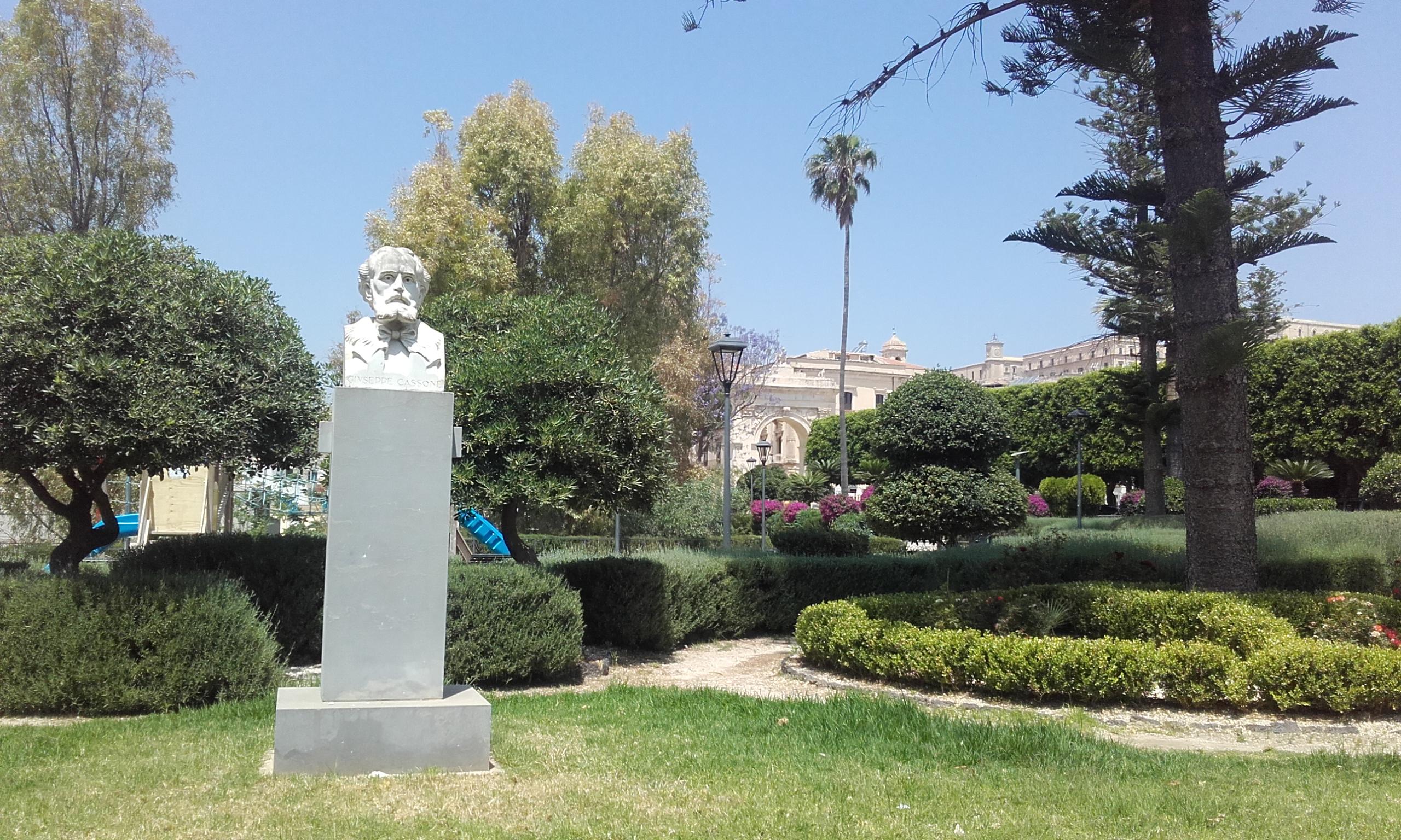 Parque junto a la plaza del mercado