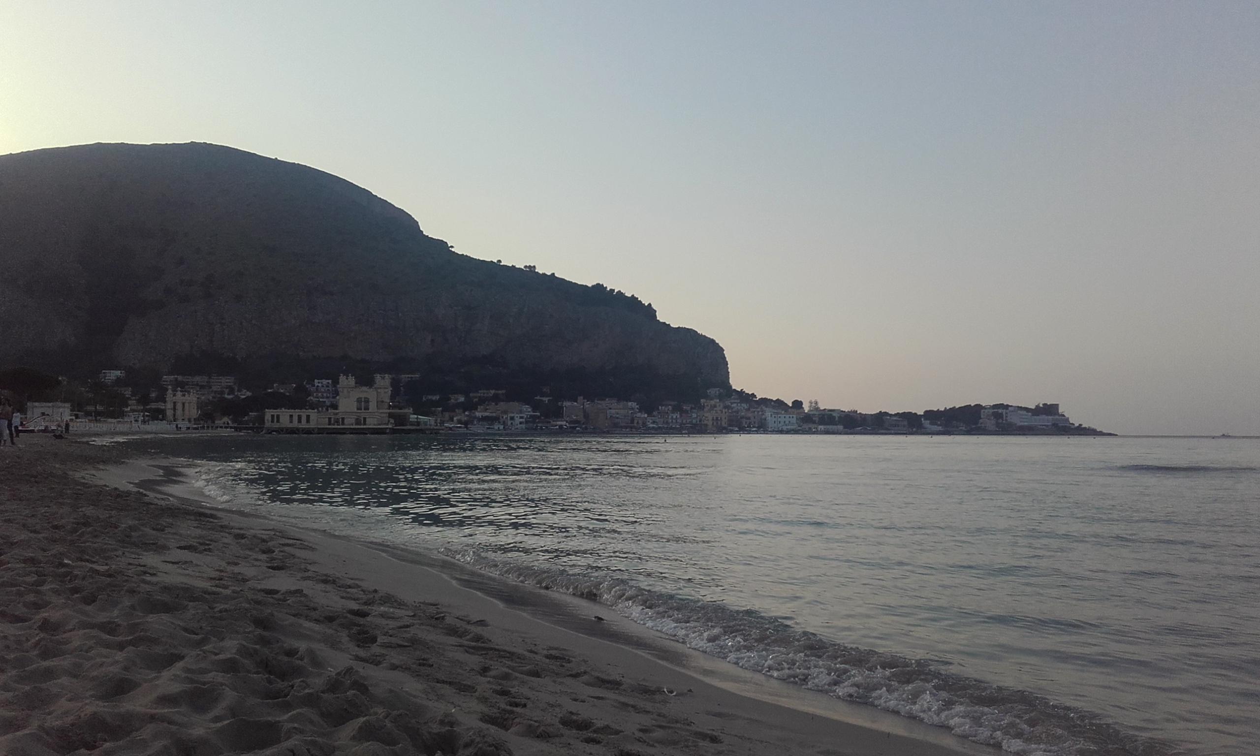 Anochecer desde la playa