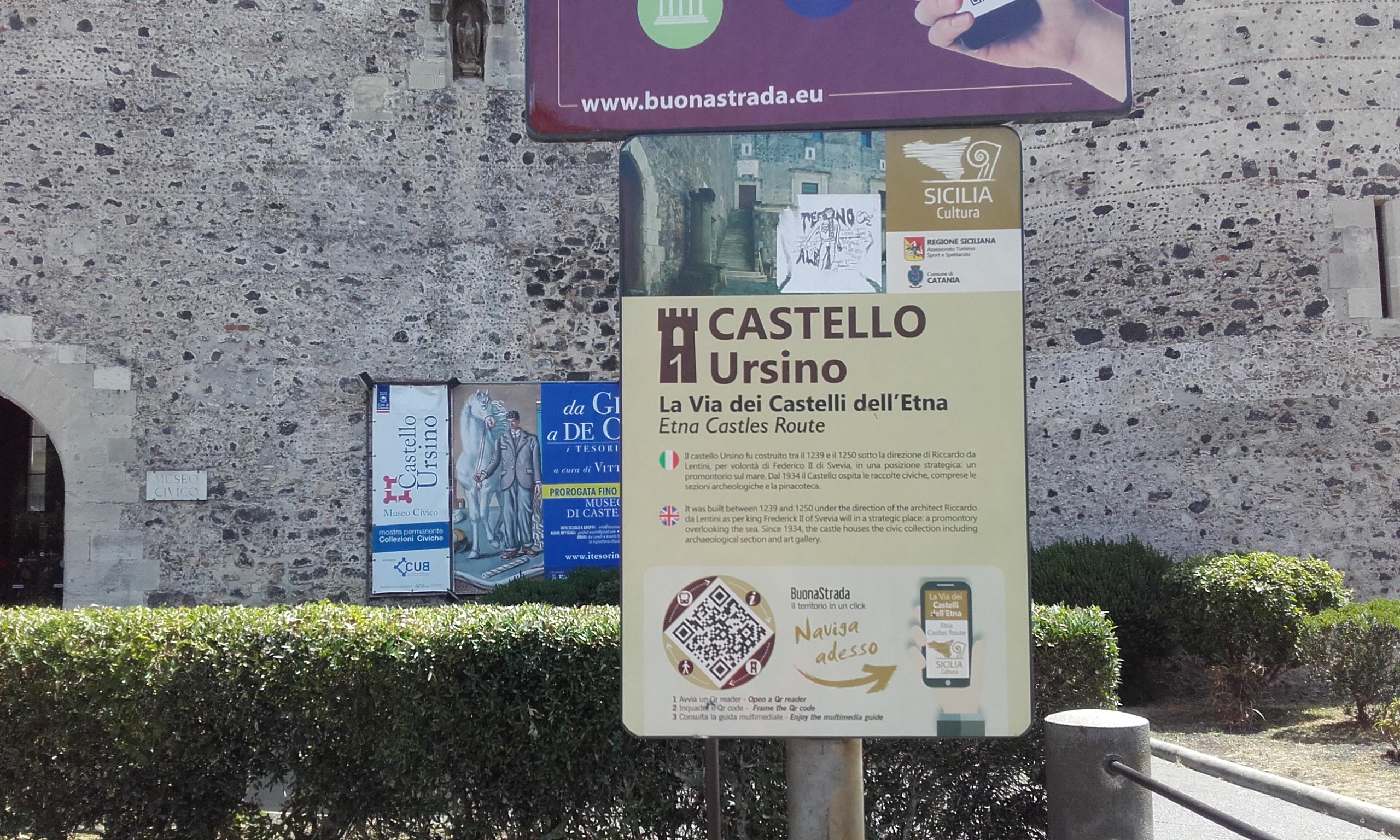 Entrada al Castillo Ursino