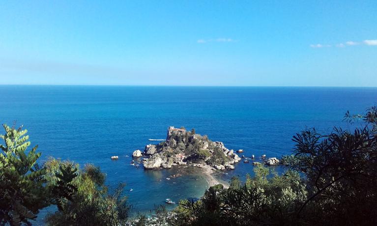 Isola Bella desde la lejanía