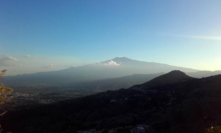 El volcán Etna, antes del anochecer