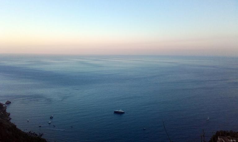 El mar desde un mirador cercano al castillo