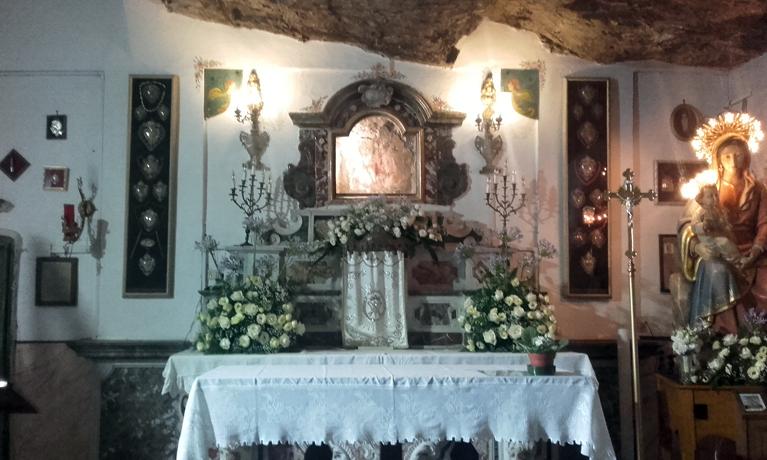 Altar de la Iglesia Madonna della Rocca