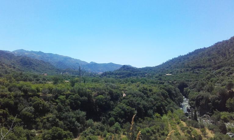 Vistas desde lo alto del sendero