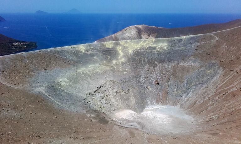El Gran Cráter desde el sendero
