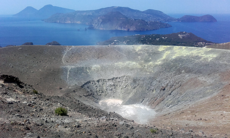 El Gran Cráter y las islas Eolias