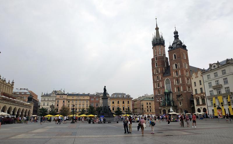 Basílica de Santa María en la Plaza del Mercado