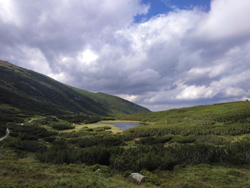 Otro de los pequeños lagos del valle