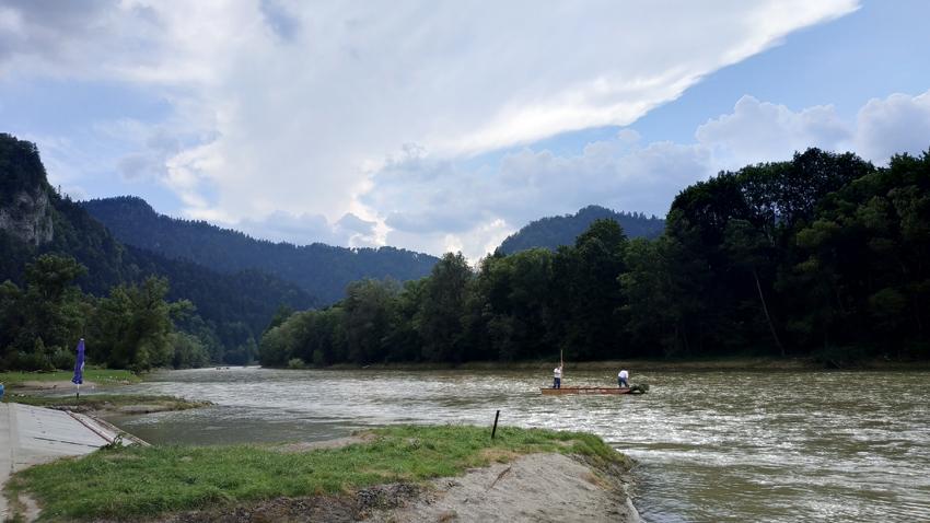 El río Dunajec, que separa Polonia y Eslovaquia