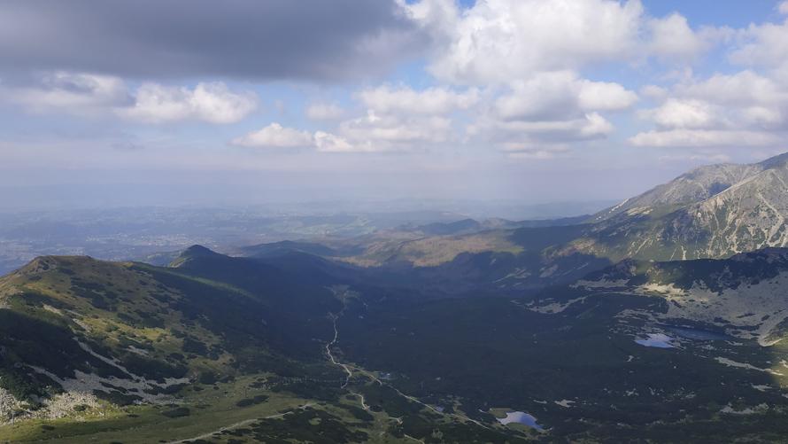 Sendero hacia Murowaniec desde las alturas